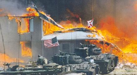 chars assaut tanks armée raid waco secte feu